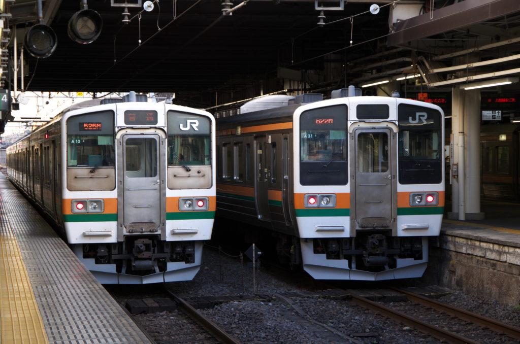 高崎駅に入線している211系