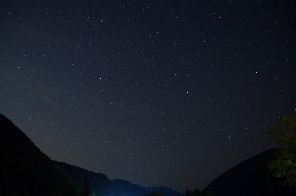 向平キャンプ場から見る星空