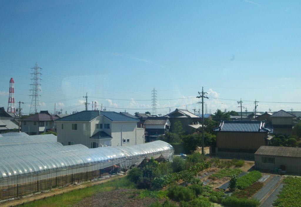 近鉄特急車内から見る四日市工業地帯