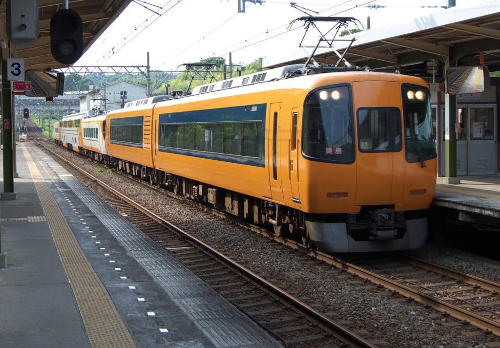 五十鈴川駅にて近鉄特急賢島行き